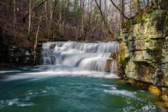 Fenwick bryter vattenfall arkivbilder