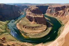 Fer à cheval déplié sur le Fleuve Colorado photos libres de droits