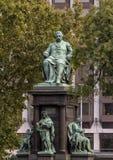 Ferenc Deak Monument no quadrado de Szechenyi, Budapest, Hungria imagem de stock