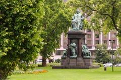 Ferenc Deak staty royaltyfria foton