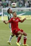 Ferencvaros contra Fósforo de futebol da liga do banco de Dunaujvaros OTP Imagens de Stock