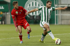 Ferencvaros contre Match de football de ligue de banque de Dunaujvaros OTP Photographie stock libre de droits