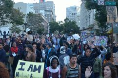 Ferguson-Schießen-Protest in Oakland CA Lizenzfreie Stockfotografie