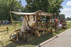 Feria al lado del castillo de Wawel Imagen de archivo libre de regalías