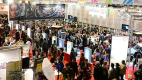 Feria de libro de Gaudeamus, Bucarest, Rumania 2014 almacen de video