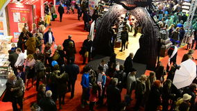 Feria de libro de Gaudeamus, Bucarest, Rumania 2014 almacen de metraje de vídeo