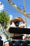 Feria de Sevilla, mujer con el sombrero en un carro del caballo Fotos de archivo