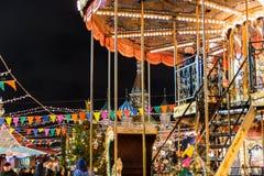 Feria y carrusel del ` s del Año Nuevo en el cuadrado rojo de Moscú Fotos de archivo