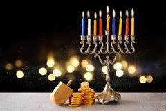 Feriado judaico hanukkah com menorah imagens de stock royalty free