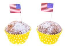Feriado patriótico 4o julho: queques com bandeira americana Foto de Stock
