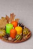 Feriados da queda - Dia das Bruxas e ação de graças Ainda vida - velas Imagem de Stock Royalty Free