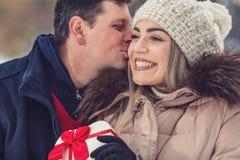 """Feriados de inverno, de conceito do Natal, dos Valentim e dos povos †""""miliampère foto de stock"""