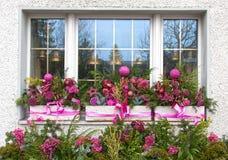 Ferie dekorerat fönster Royaltyfri Foto