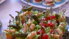 Ferie för smakligt mål för tomattabellmellanmål härlig stock video