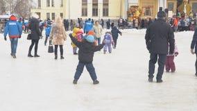 Ferie som ser av rysk vinter stock video