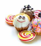 Ferieefterrätter, olika dekorerade muffin Royaltyfria Bilder