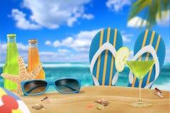 Ferien auf dem Strand lizenzfreie stockbilder
