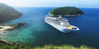 Ferien-Feiertags-Sommer-Illustrations-Konzept des Kreuzschiff-3d Lizenzfreie Stockfotos
