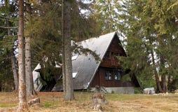 Ferienhaus in den Bergen Stockbild