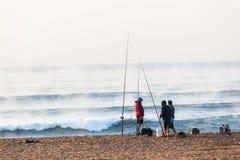 Ferier för strand för soluppgång för fiskarebränningvågor Royaltyfri Bild