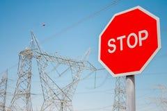 Fermata del segno e della centrale elettrica Fotografie Stock