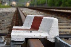 Fermata della ferrovia posizionata su una strada ferrata Immagine Stock