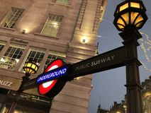Fermata sotterranea di Londra Piccadilly Circus fotografie stock
