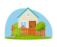 Ferme d'Eco, maison de jardin avec le lopin de terre et arbres Photos libres de droits