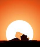 Ferme dans le coucher du soleil illustration stock