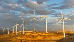 Ferme de vent au passage de Tehachapi, la Californie, Etats-Unis Image stock