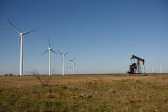 Ferme de vent et cric de pompe à huile Image libre de droits