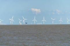 Ferme de vent de reflux avec le nuage photo libre de droits