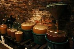 Fermentación de una sidra en el vino blanco Foto de archivo libre de regalías