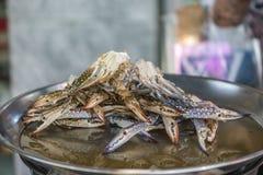 Fermentez le crabe de cheval sur la nourriture de rue de Yaowarat, Thaïlande photos stock