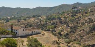 Fermes et montagnes autour de Carratraca Andalousie Espagne Photos stock