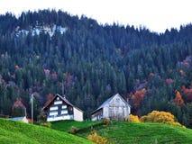 Fermes rurales et l'architecture traditionnelle de St Johann d'alt dans Thur River Valley images libres de droits