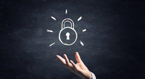 Fermez à clef comme symbole de la réalisation de succès Images libres de droits