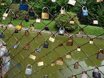 Fermez à clef le symbole de la fidélité et de l'amour éternel Photographie stock