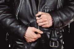 Fermez à clef les vestes en cuir images stock