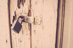Fermez à clef sur la porte Photo stock