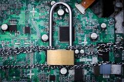 Fermez à clef sur la sécurité de technologie de connexion de conseil Photos stock