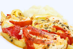 fermez les pommes de terre écrasées d'omelette vers le haut du légume Photos stock
