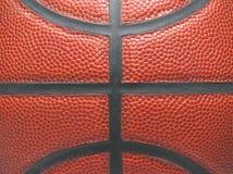 Fermez-vous d'un basket-ball photographie stock