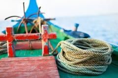 Fermez-vous d'un bateau de pêche Images stock