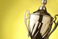 Fermez-vous d'un trophée argenté Photo libre de droits