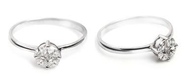 Fermez-vous d'une belle bague à diamant Photos libres de droits