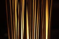 Fermez-vous d'une lumière tubulaire debout rougeoyante images stock