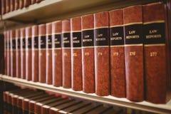 Fermez-vous de beaucoup de rapports de loi Images stock