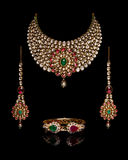 Fermez-vous de l'or et du collier de diamants Photo stock