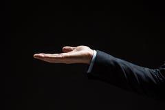 Fermez-vous de l'homme d'affaires avec la main vide images libres de droits